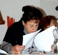а Дина Бутинская работает!