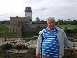 Олег Достовалов